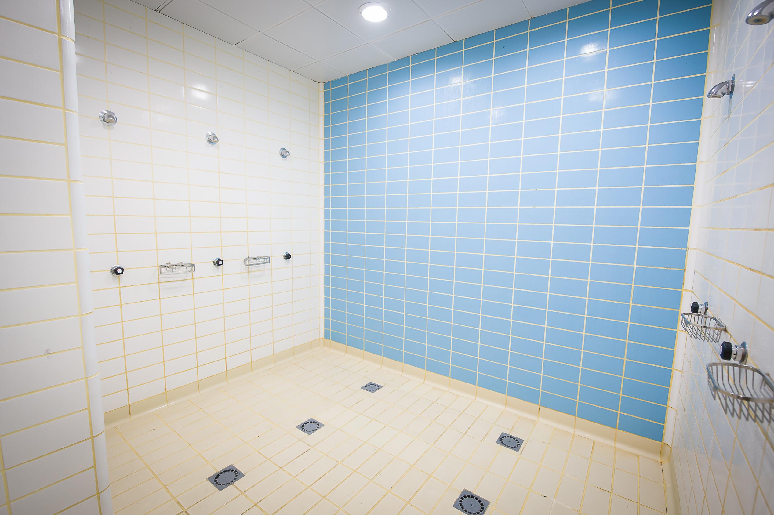 Instalaciones for Gimnasios madrid con piscina